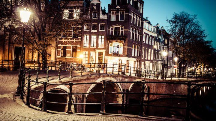 Dlaczego warto pracować w Holandii przez agencję pracy?